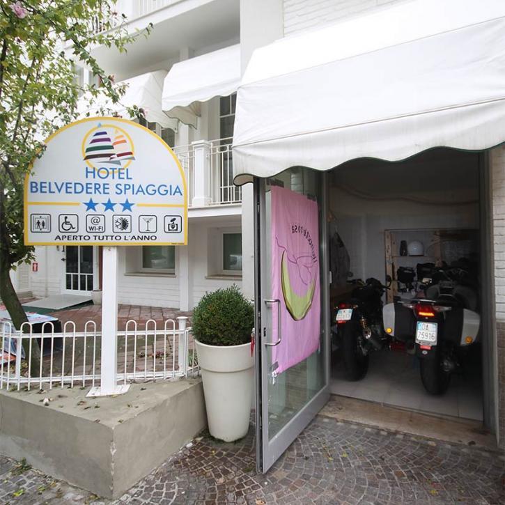 Motorbike Hotel Belvedere Spiaggia Viserba di Rimini